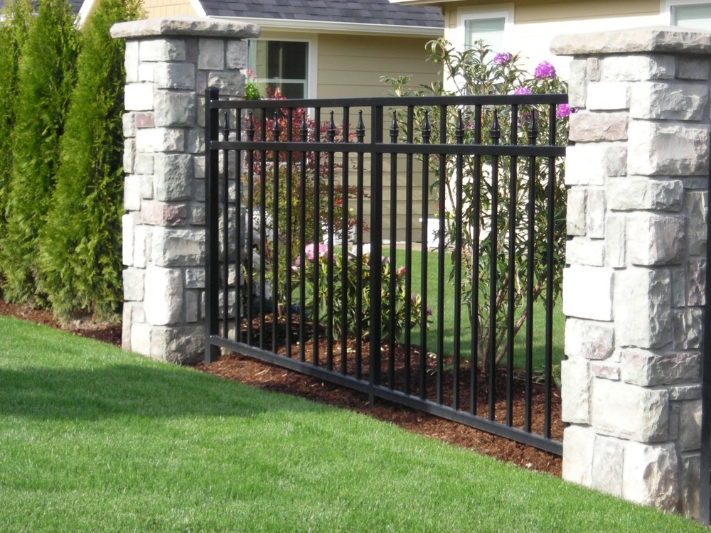 Top-selling newest handmade wrought iron garden fence
