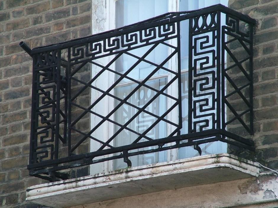 Latest decorative antique wrought iron balcony railing