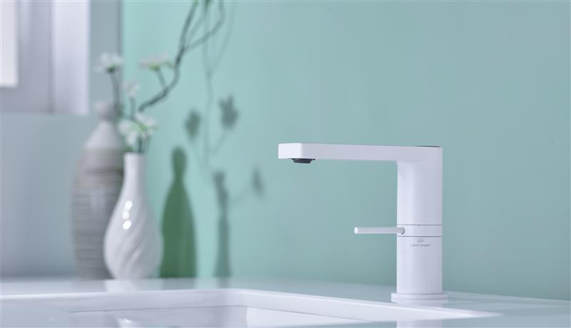CBM Brass bathroom series sanitary ware series new design basin faucet bathroom faucet with temperature
